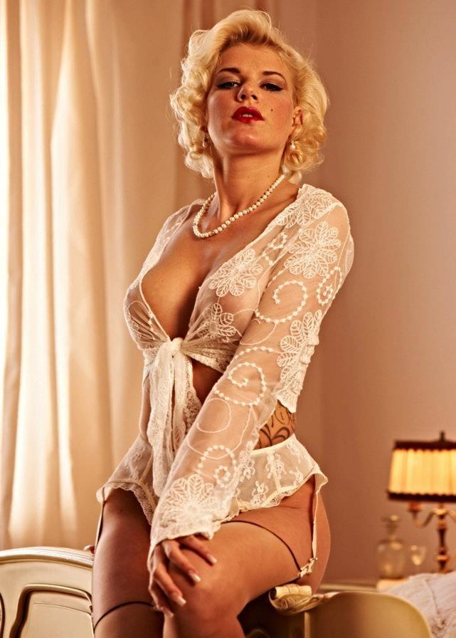 Мелани Мюллер голая. Фото - 7