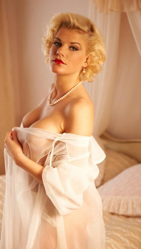 Мелани Мюллер голая. Фото - 8