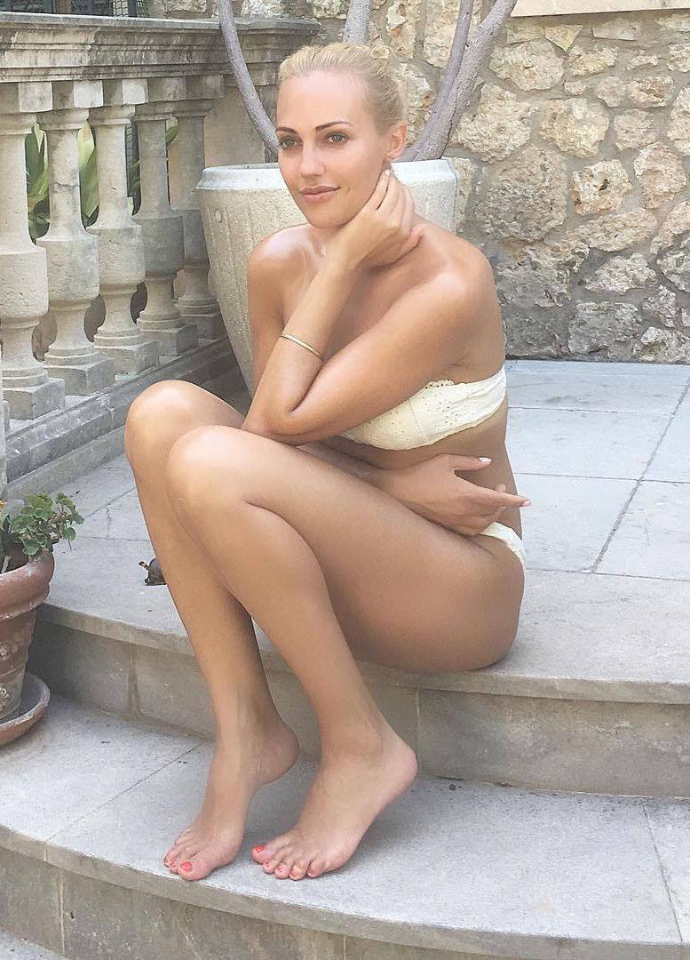 Мерьем Узерли голая. Фото - 7