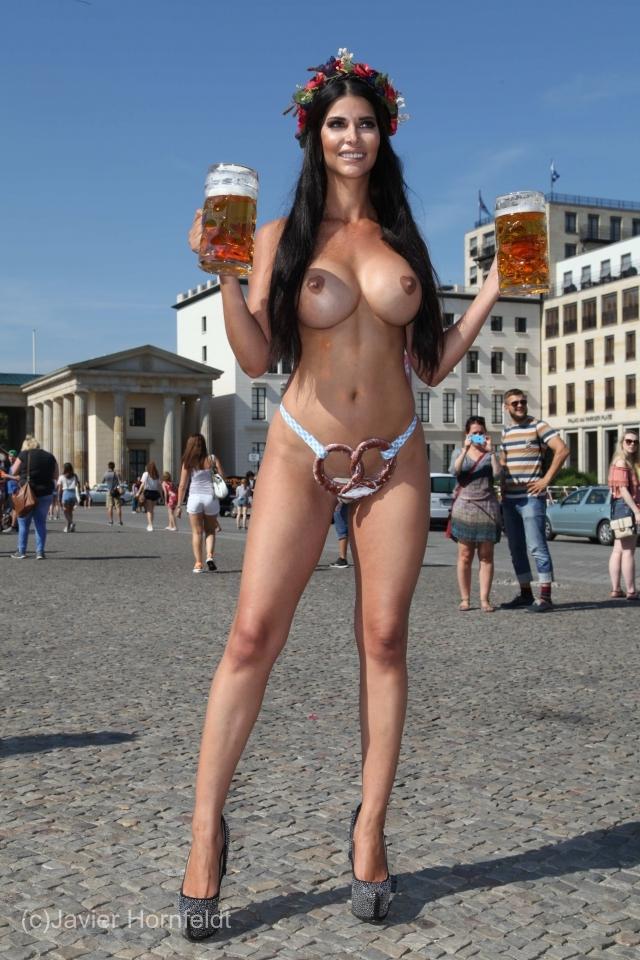 Micaela Schäfer Nackt. Fotografie - 47