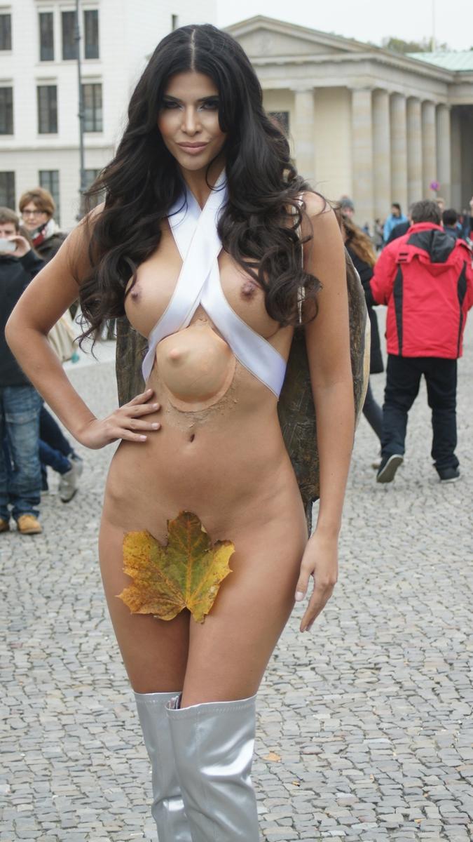 Micaela Schäfer Nackt. Fotografie - 65