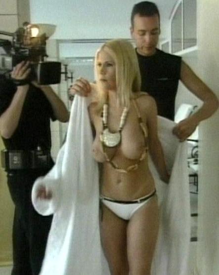 Gina wild jung nackt