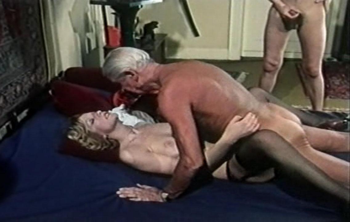 Мишель д'Агро голая. Фото - 8