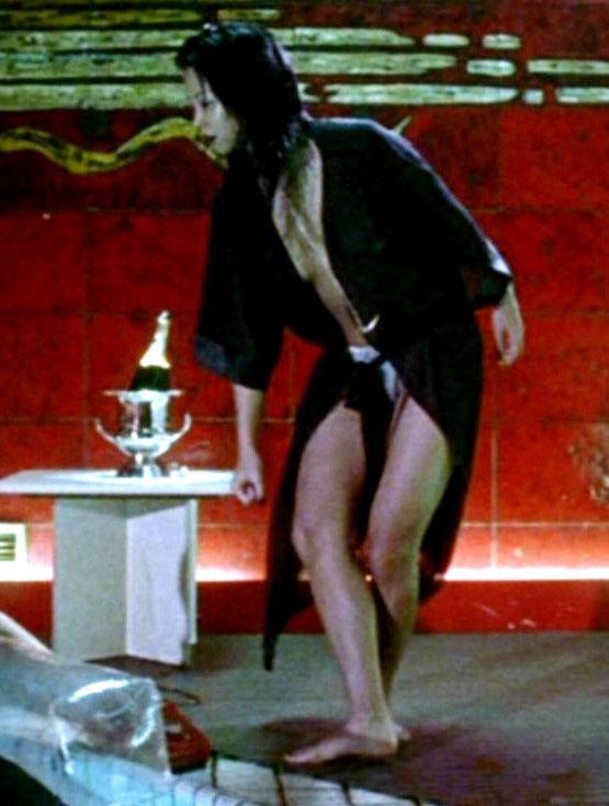 Мин-Хай Фэн-Тхи голая. Фото - 16
