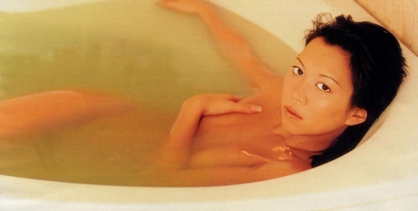 Мин-Хай Фэн-Тхи голая. Фото - 9