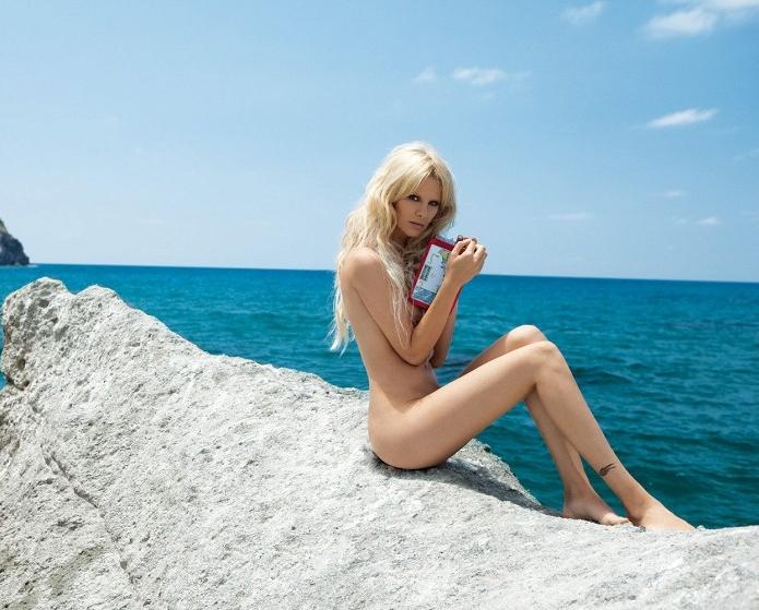 Моника Иванчан голая. Фото - 13
