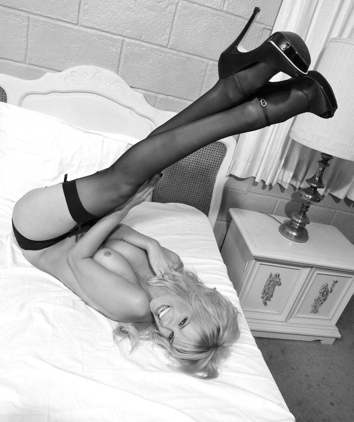 Моника Иванчан голая. Фото - 28