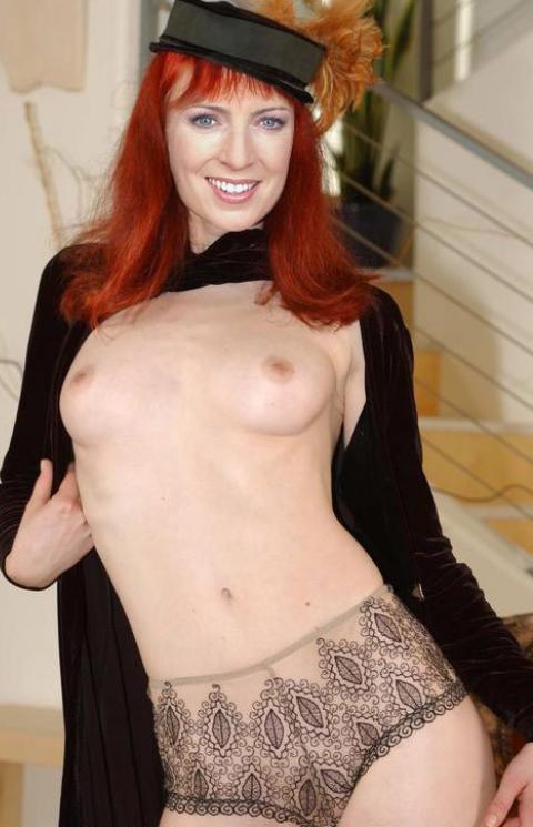 Моника Лираус голая. Фото - 46