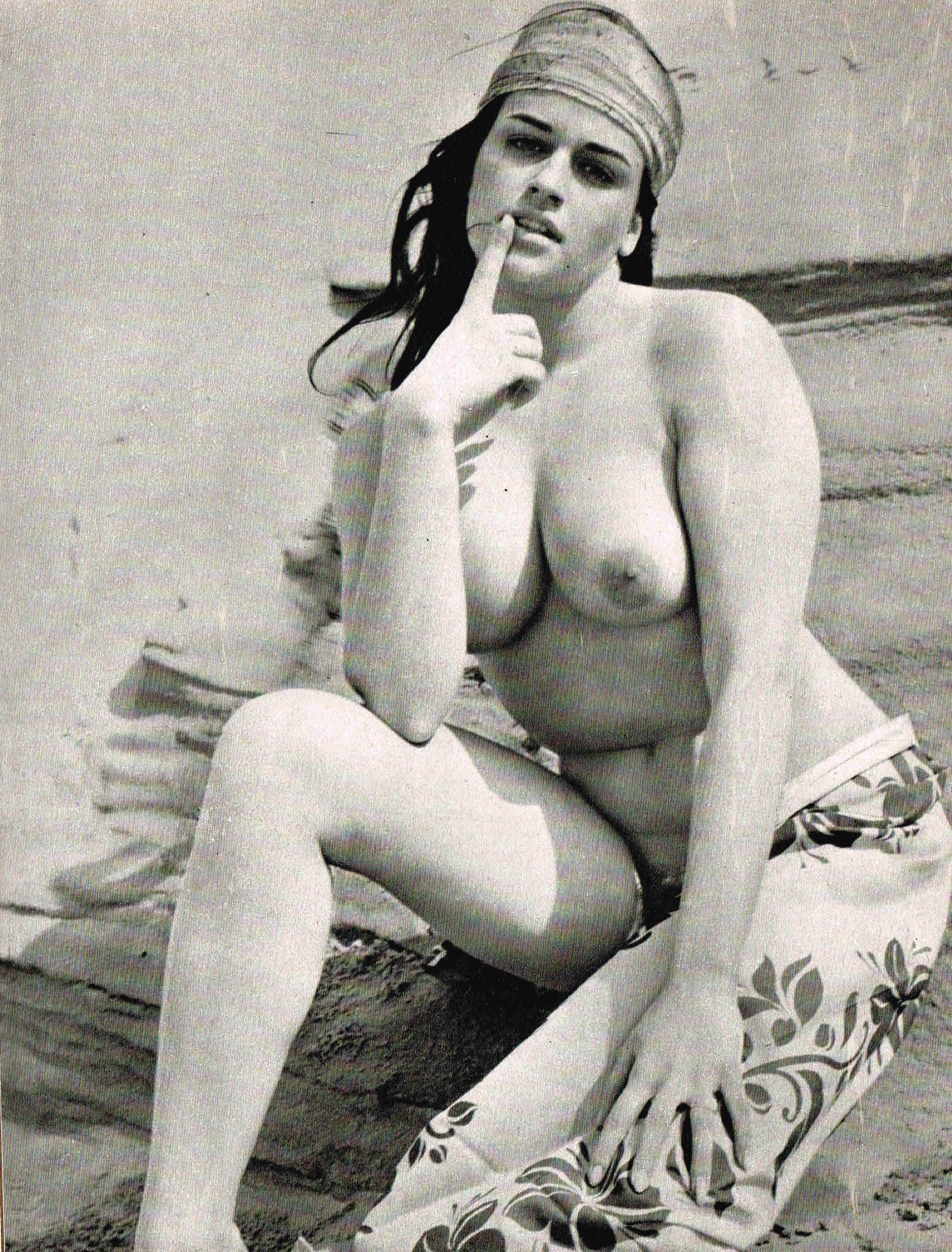 Надинде Ранго голая. Фото - 1