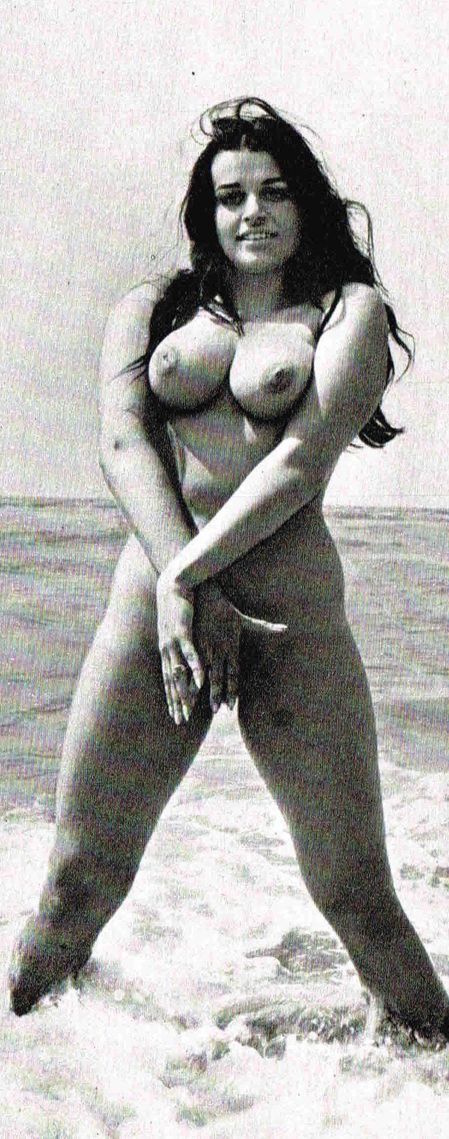 Надинде Ранго голая. Фото - 113