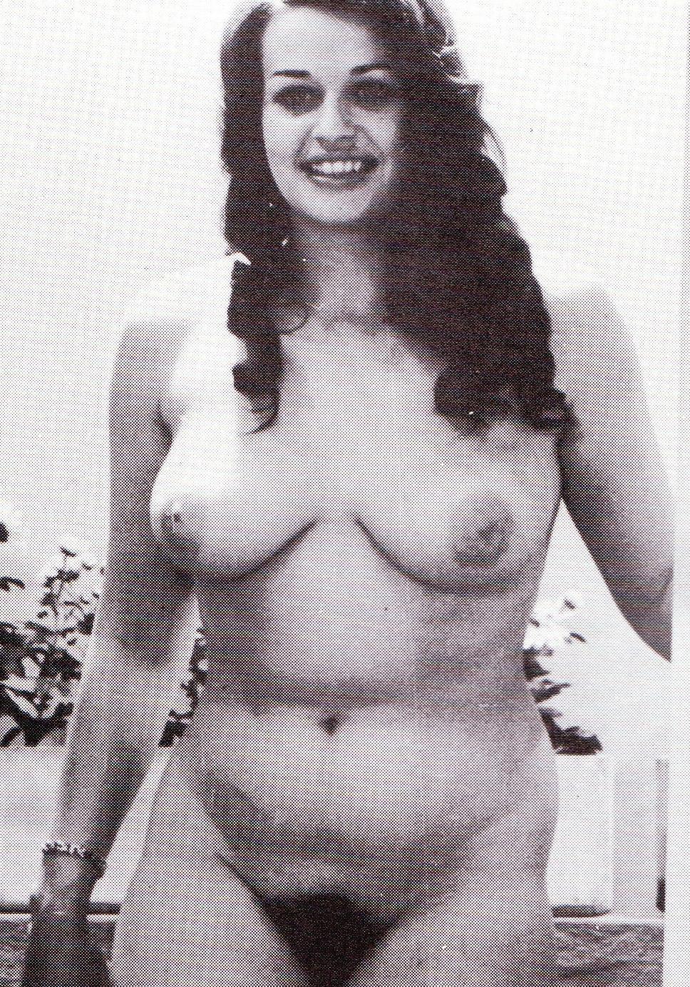 Надинде Ранго голая. Фото - 12