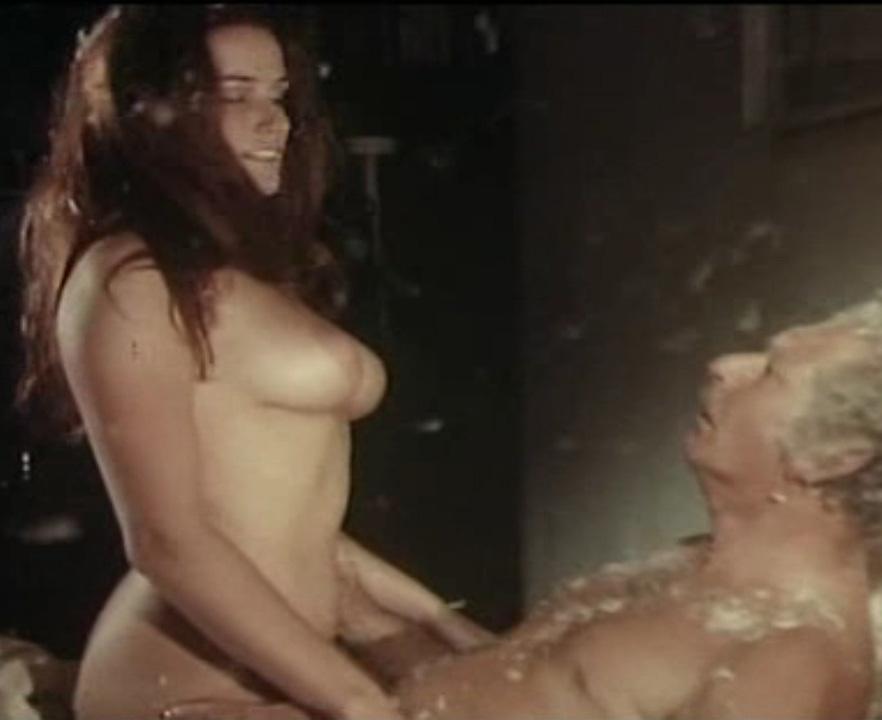 Надинде Ранго голая. Фото - 21
