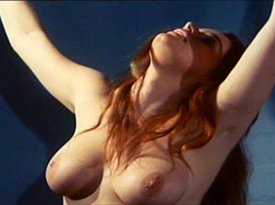 Надинде Ранго голая. Фото - 25