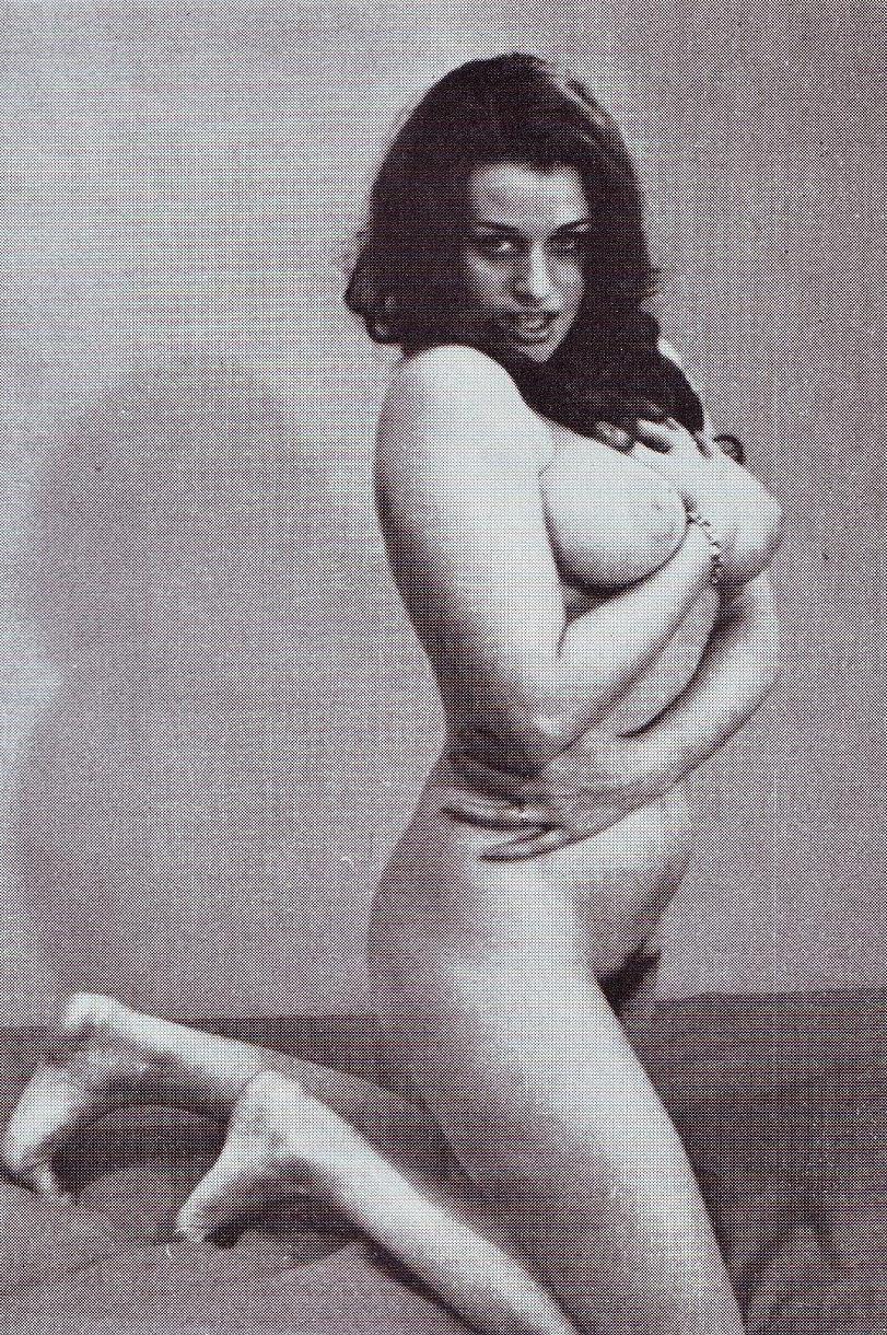 Надинде Ранго голая. Фото - 81