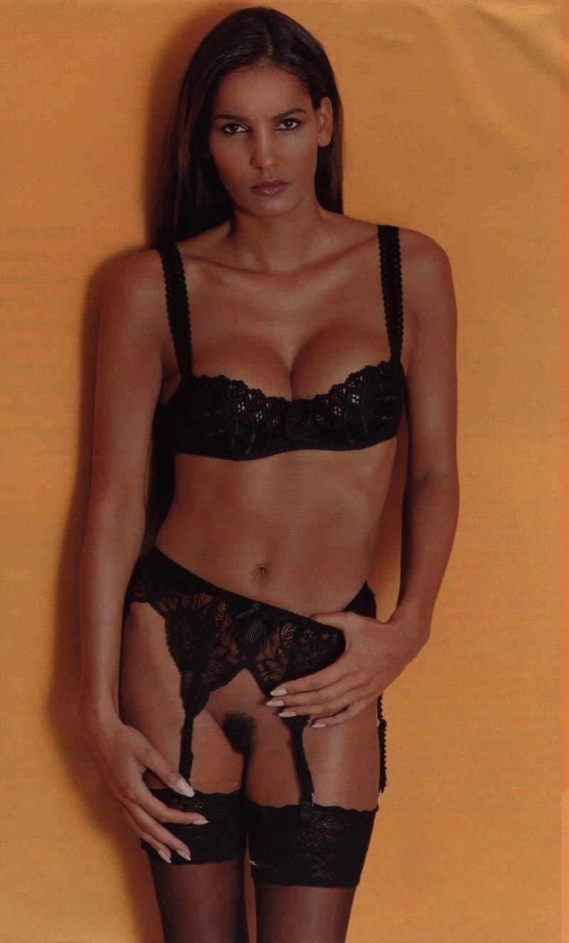 Надя Абдель Фарраг голая. Фото - 1