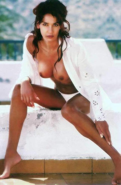 Надя Абдель Фарраг голая. Фото - 14