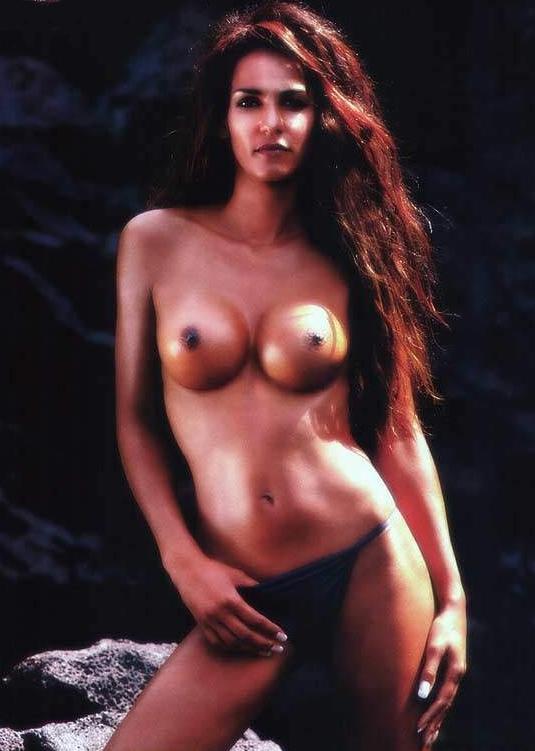 Надя Абдель Фарраг голая. Фото - 15