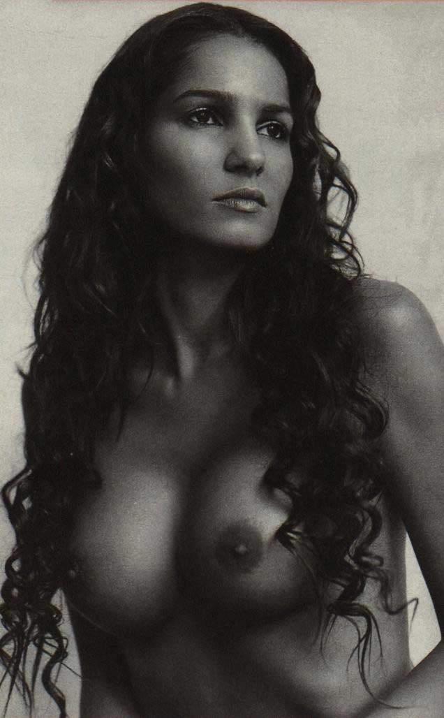 Надя Абдель Фарраг голая. Фото - 4