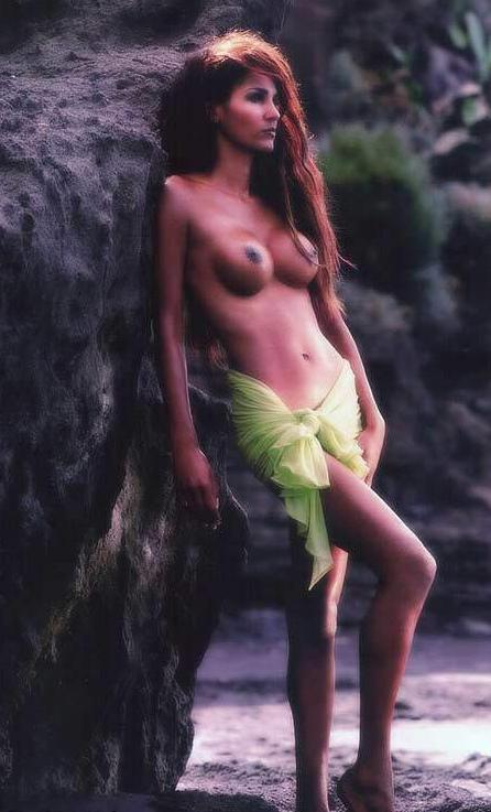 Надя Абдель Фарраг голая. Фото - 5
