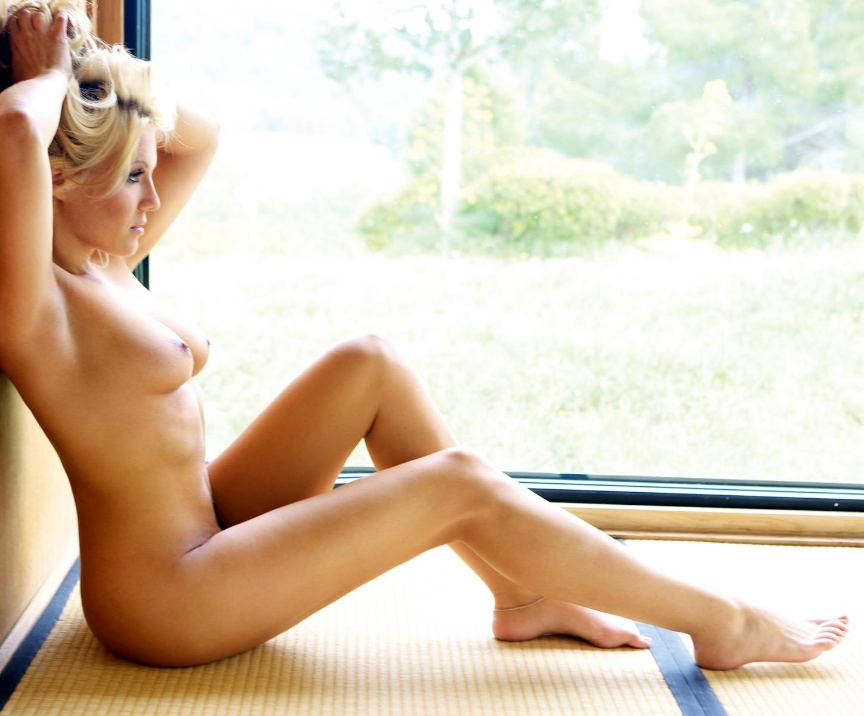 Natalie Martinez Sexy Photos