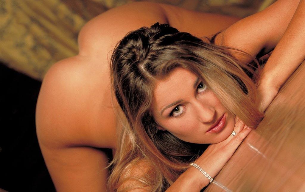 Натали Лангер голая. Фото - 2