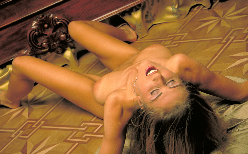 Натали Лангер голая. Фото - 22