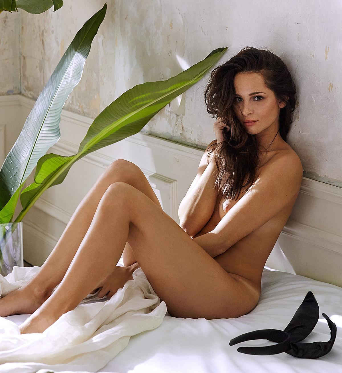 Nicole Mieth nahá. Fotka - 31