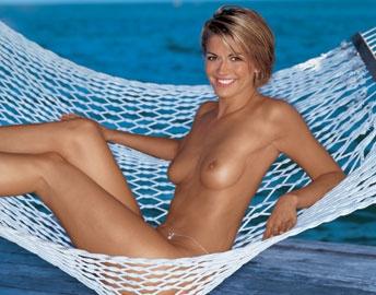 Нина Ботт голая. Фото - 1