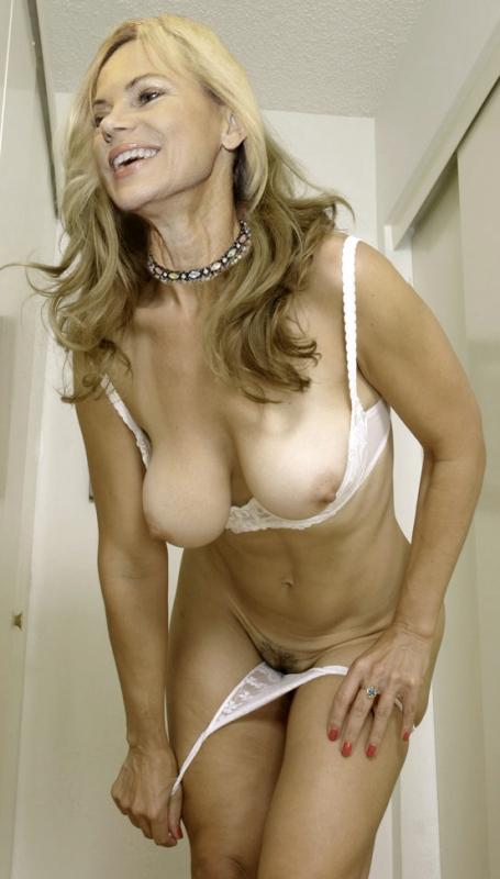 Нина Руге голая. Фото - 5