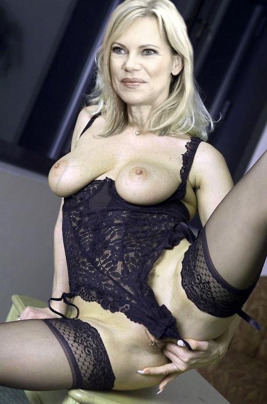 Нина Руге голая. Фото - 8