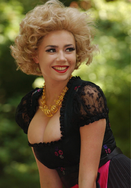 Полина Рожински голая. Фото - 1