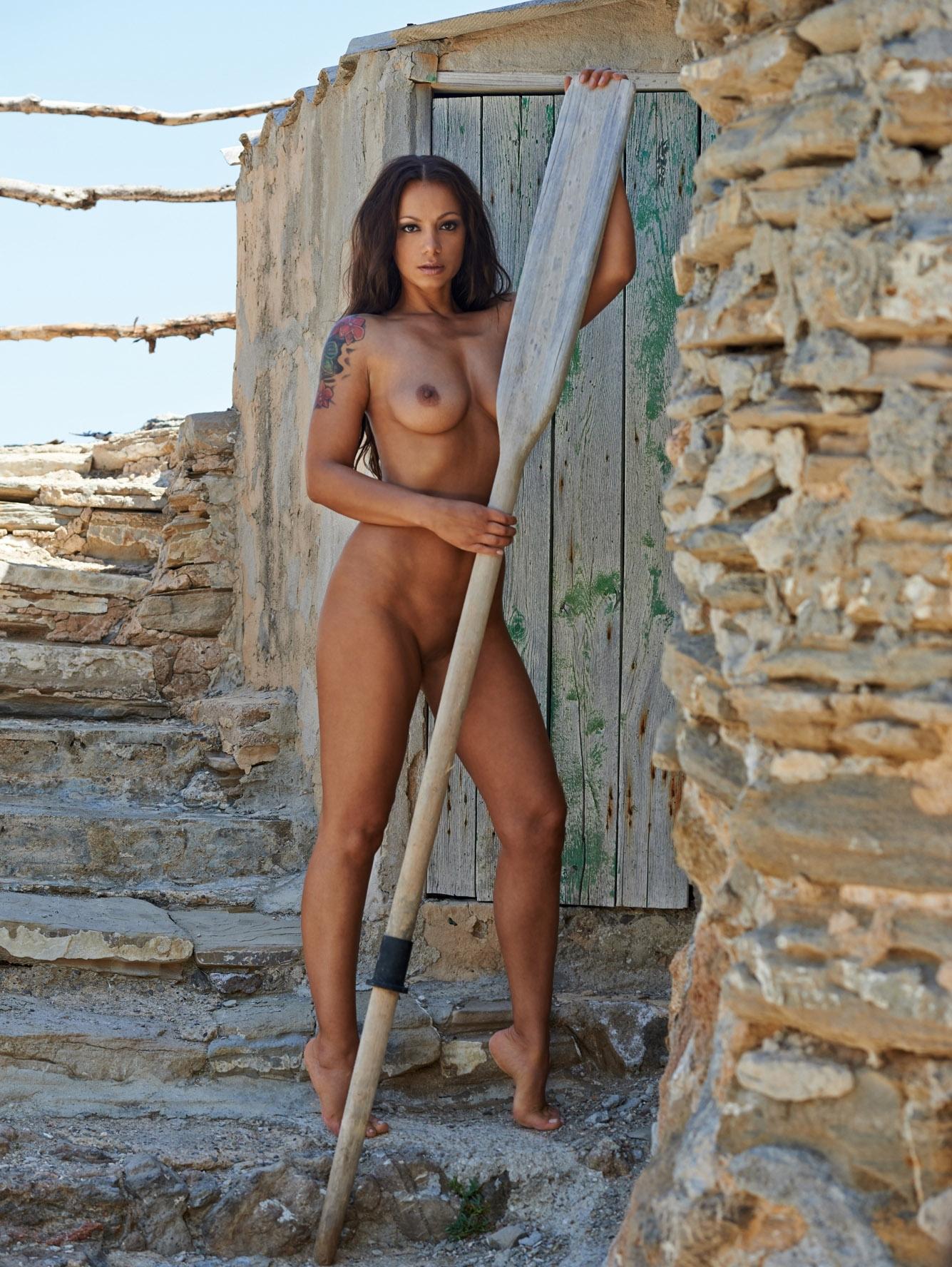 Радост Бокель голая. Фото - 1