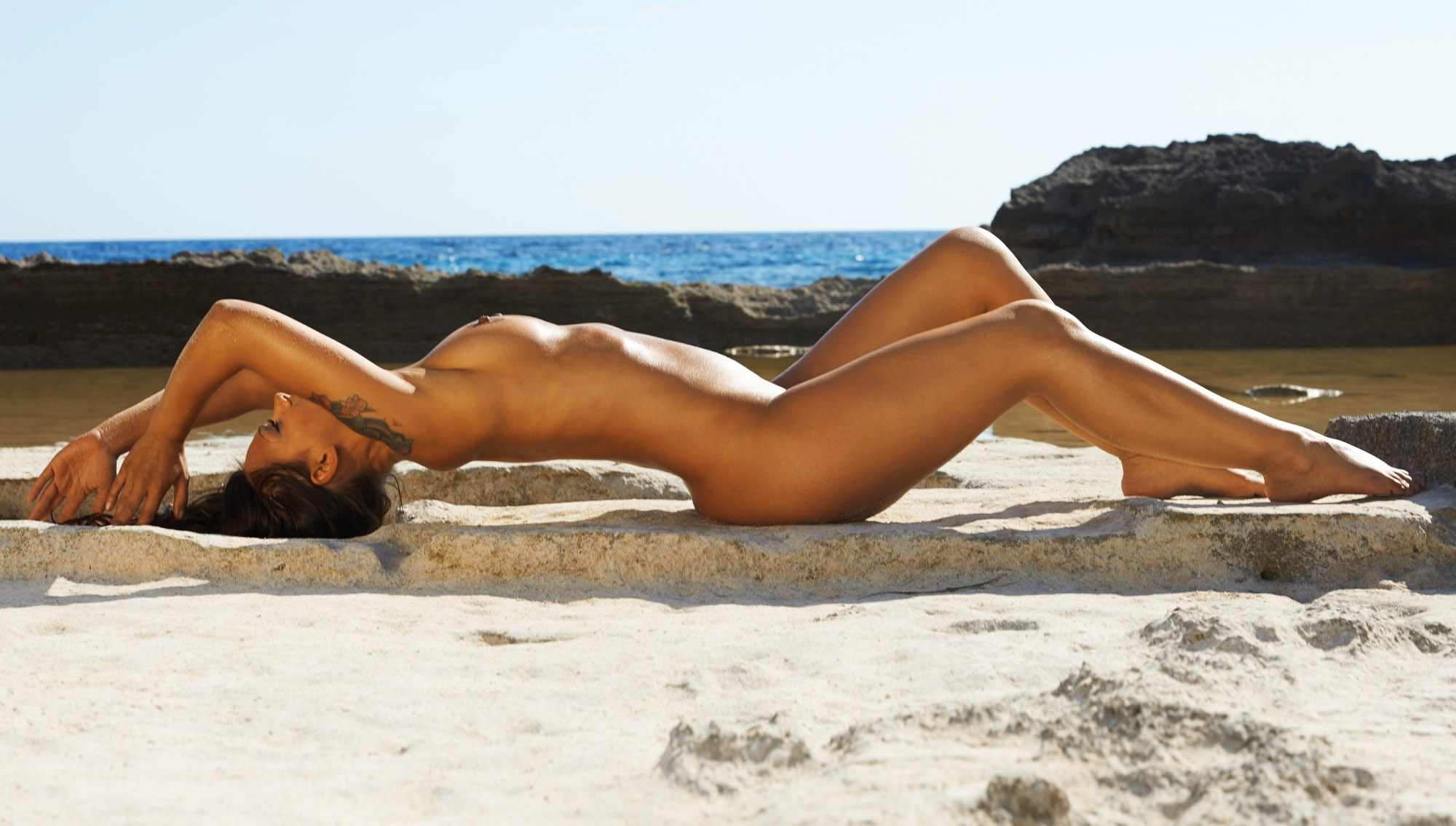 Радост Бокель голая. Фото - 15
