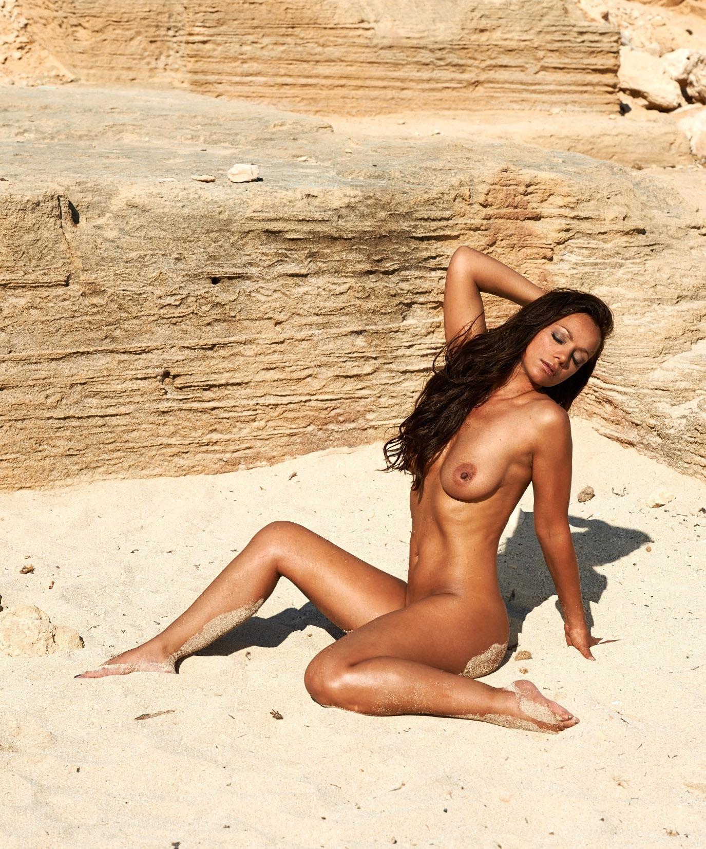 Радост Бокель голая. Фото - 20