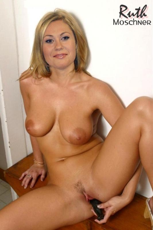 Рут Мошнер голая. Фото - 13