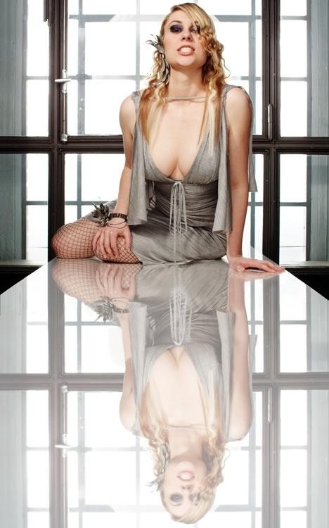 Рут Мошнер голая. Фото - 2