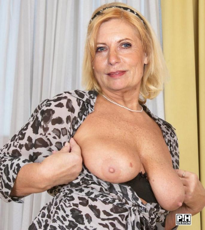 Сабина Постель голая. Фото - 3