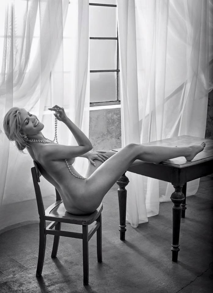 Сара Новак голая. Фото - 5