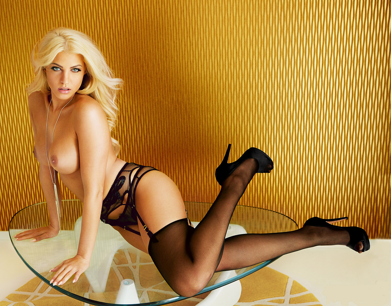 Сара Новак голая. Фото - 50