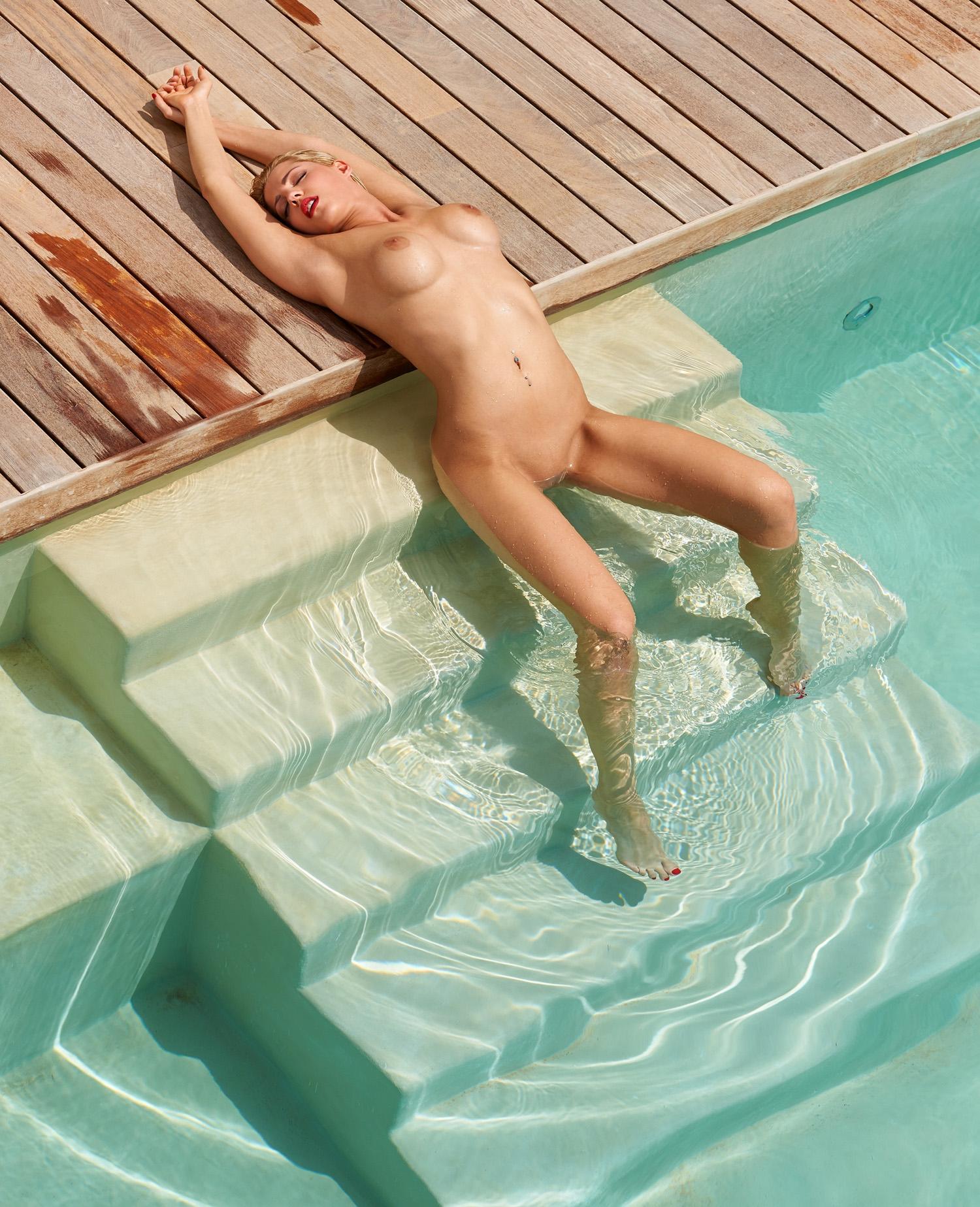 Сара Новак голая. Фото - 52