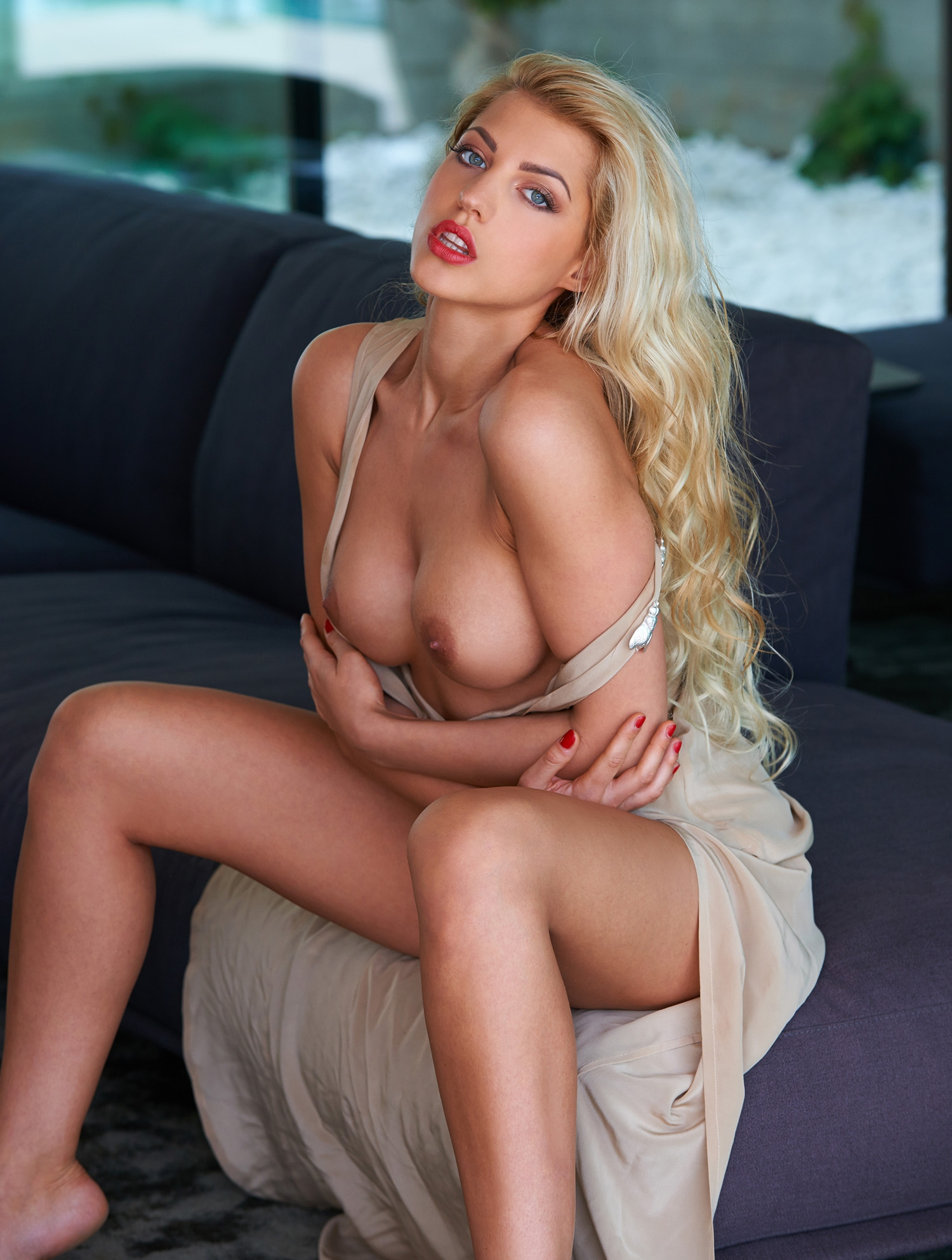 Сара Новак голая. Фото - 56