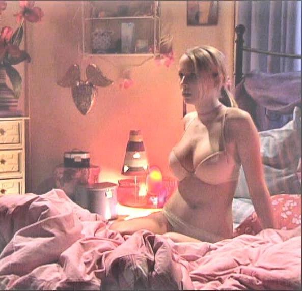 Сара Ульрих голая. Фото - 3
