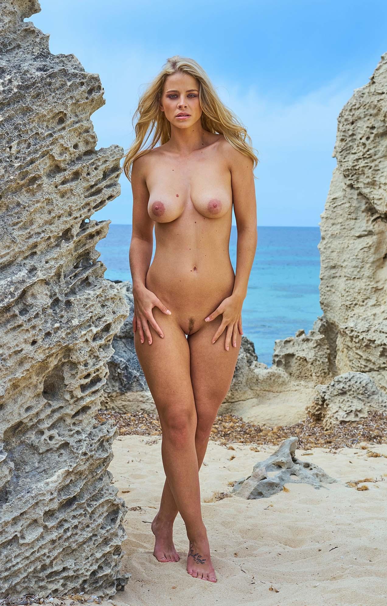 Saskia Burmeister Nude