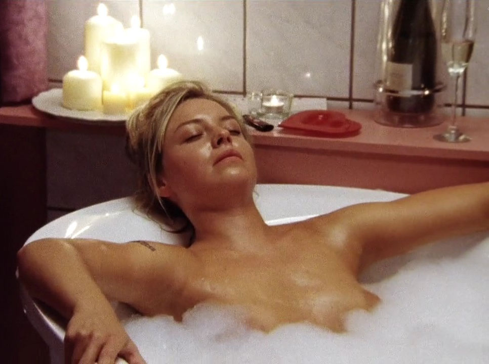 Зильке Боденбендер голая. Фото - 14