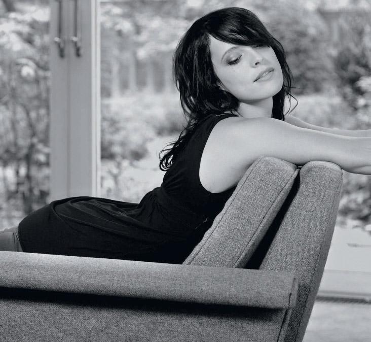 Штефани Клосс голая. Фото - 2