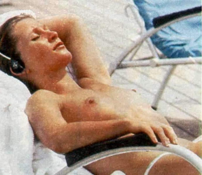 Сузанна Улен голая. Фото - 1