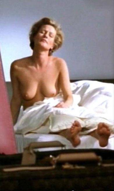 Сюзанна фон Борсоди голая. Фото - 19