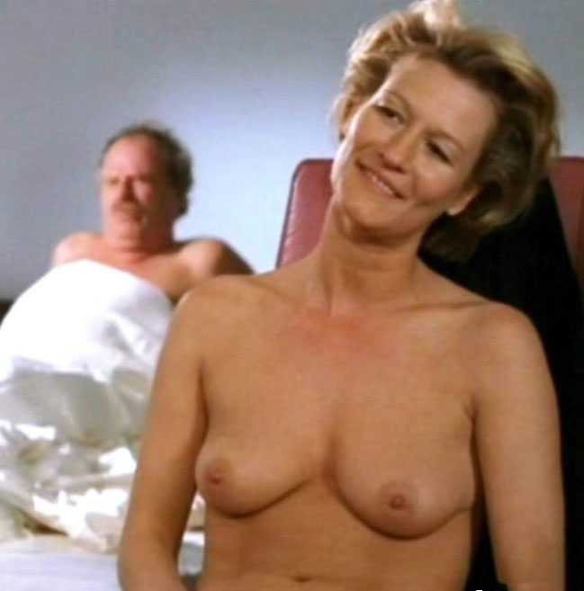 Сюзанна фон Борсоди голая. Фото - 21