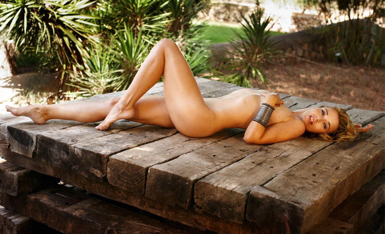 Тина Руланд голая. Фото - 11