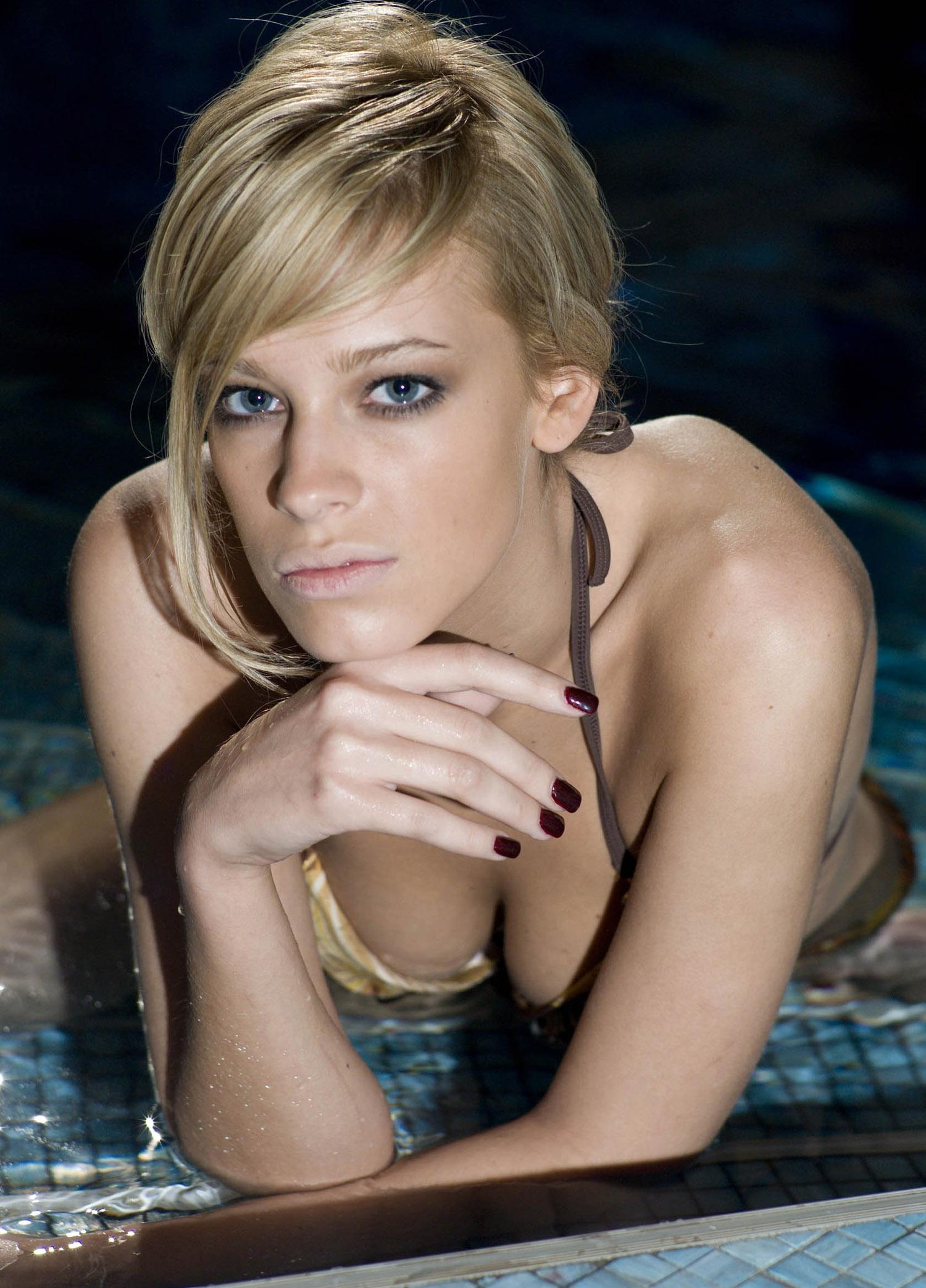 Ивонн Шрёдер голая. Фото - 6